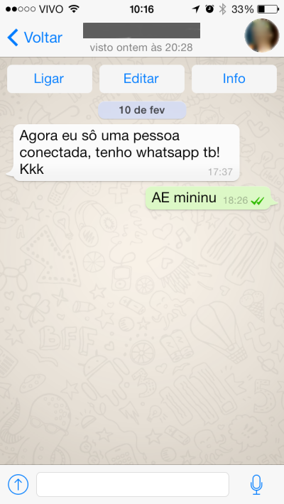 Conversa via WhatsApp.