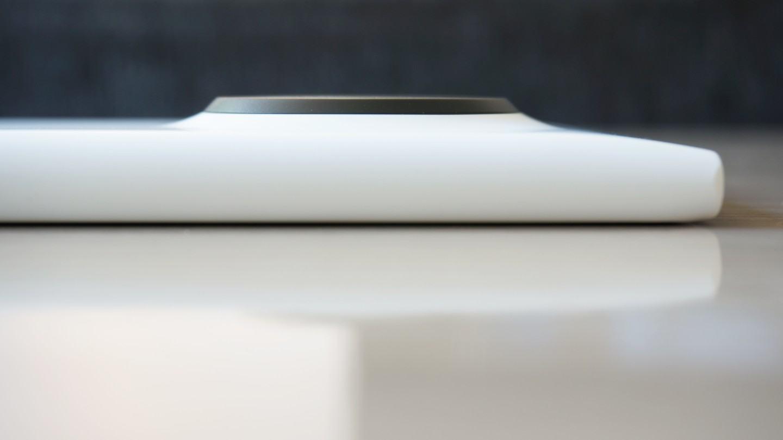 O singelo calombo nas costas do Lumia 1020.