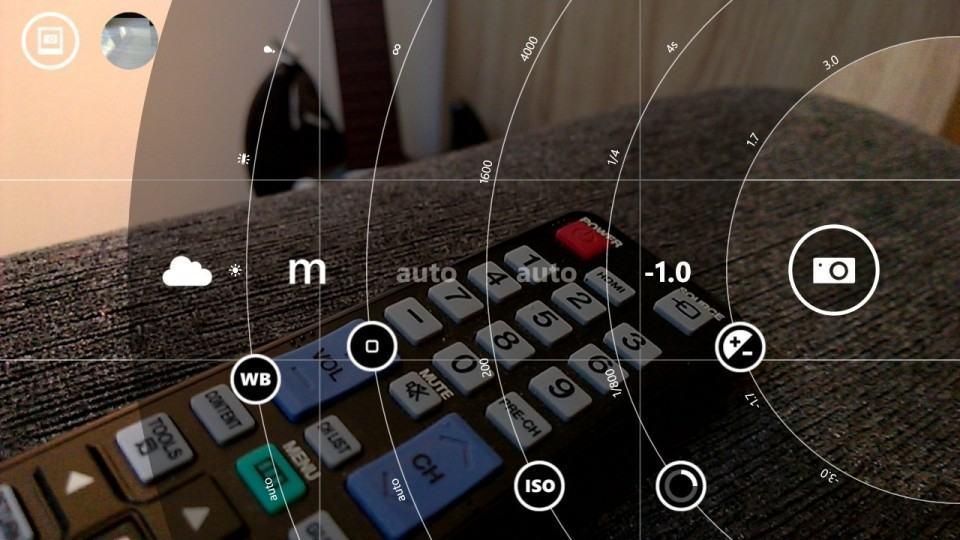Controles manuais no Nokia Camera.