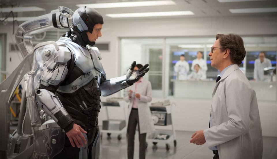 Murphy descobre que virou o RoboCop.