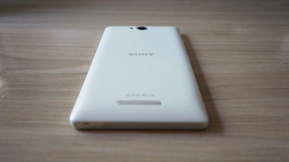 Xperia C: um smartphone intermediário.