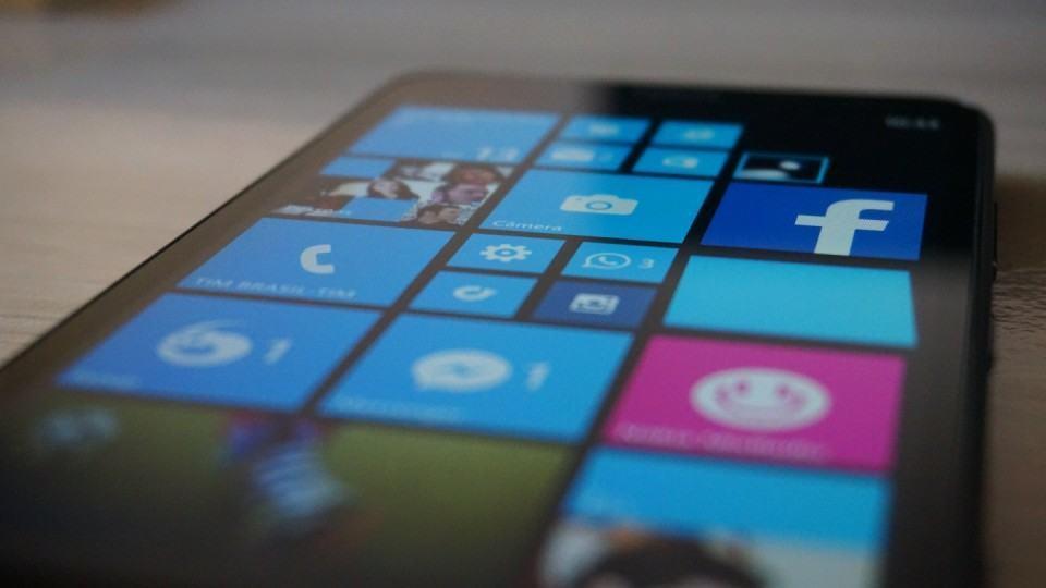 Detalhe na tela do Lumia 1320.