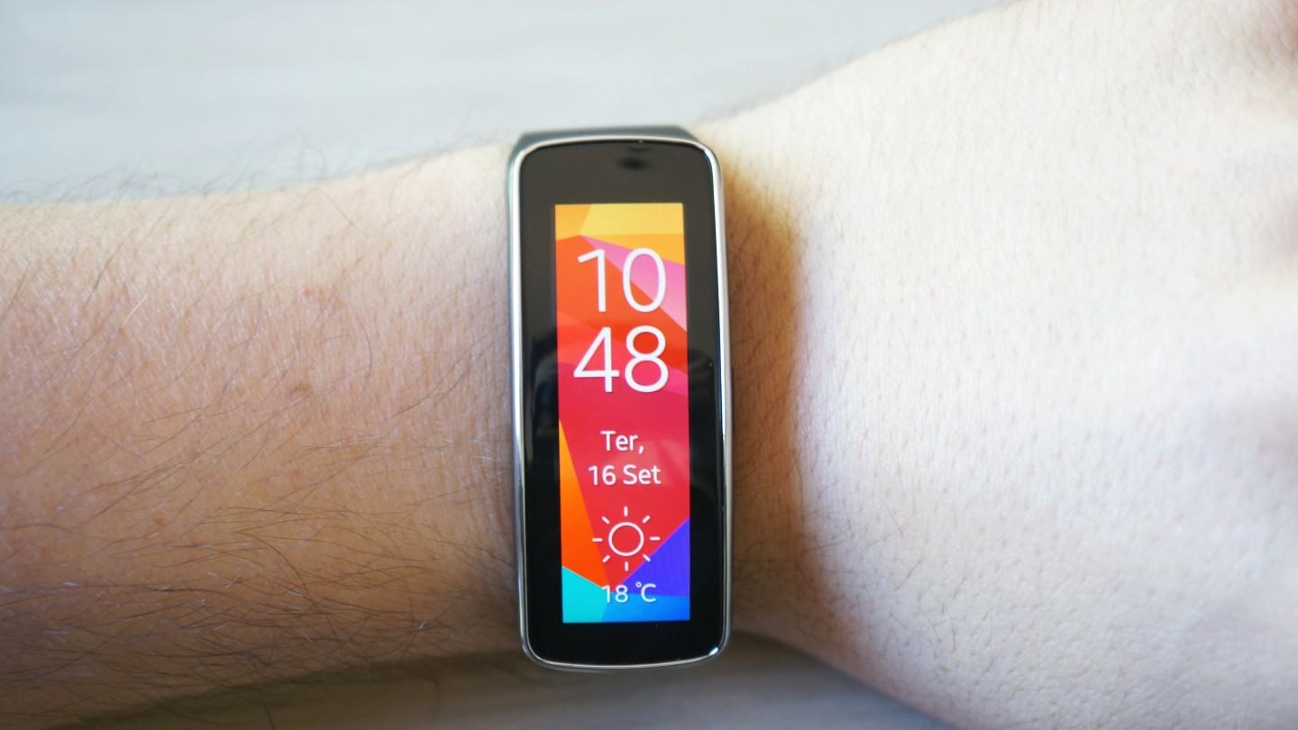 [Review] Gear Fit, o elo perdido entre smartwatches e pulseiras fitness