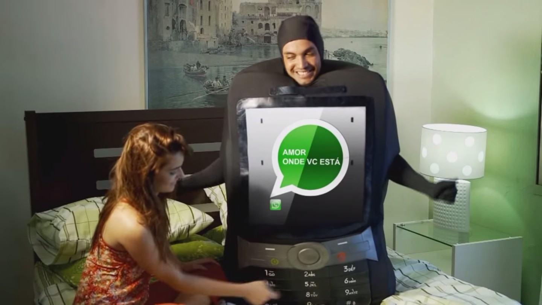 Do Orkut ao WhatsApp, como a música brasileira retrata os apps e redes sociais que todos usamos
