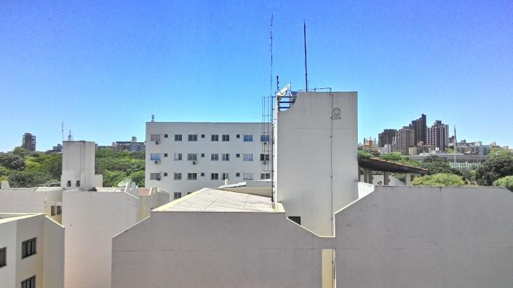 Foto de prédios e céu em HDR, feita com o Zenfone 6.