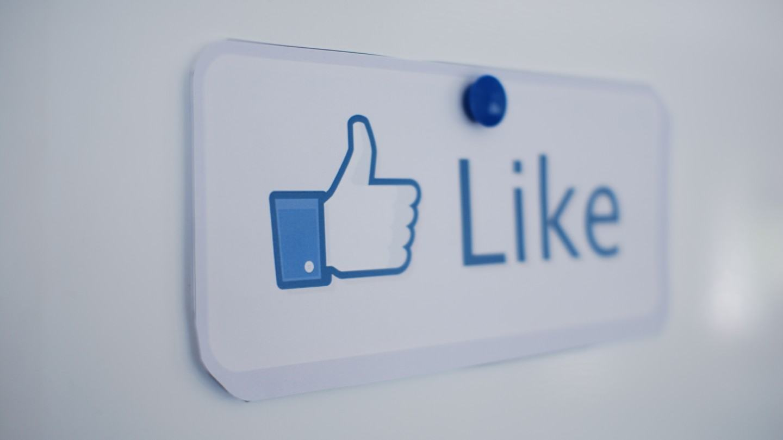 Veja (e cancele) todas as páginas que você já curtiu no Facebook