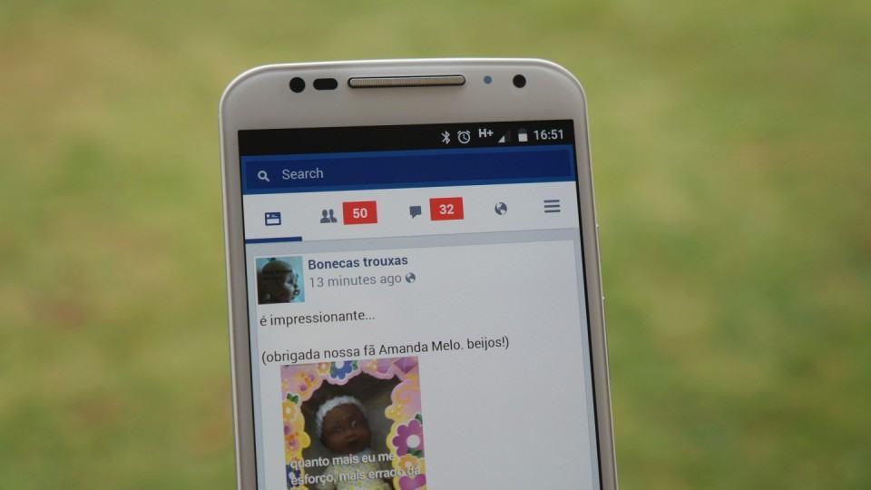 Facebook Lite em um Moto X.