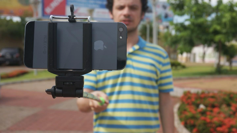 Precisamos falar sobre o pau de selfie