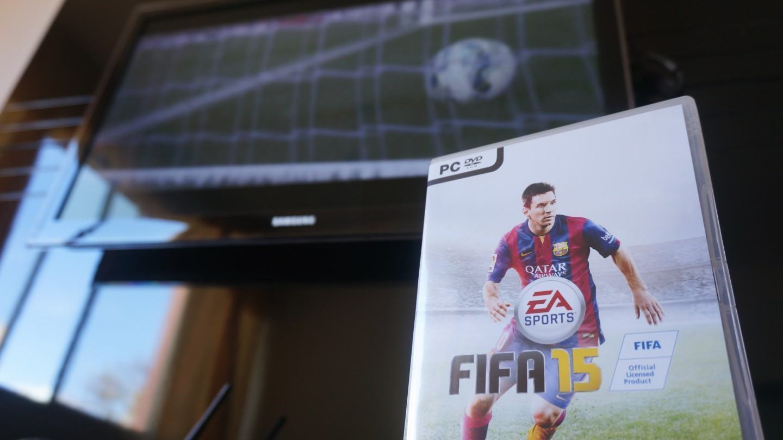 Como meu FIFA 15 de caixinha custa mais barato que o download direto da EA?