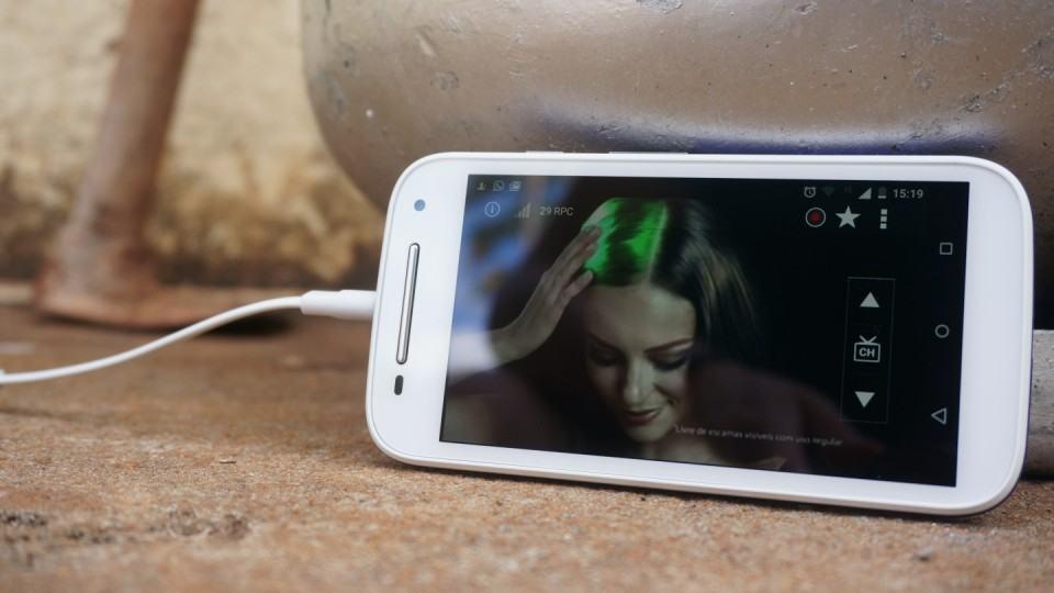 Sinal de TV digital no Moto E.