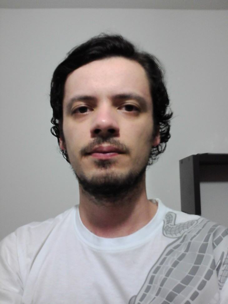 Selfie com a câmera frontal do Xperia E4.