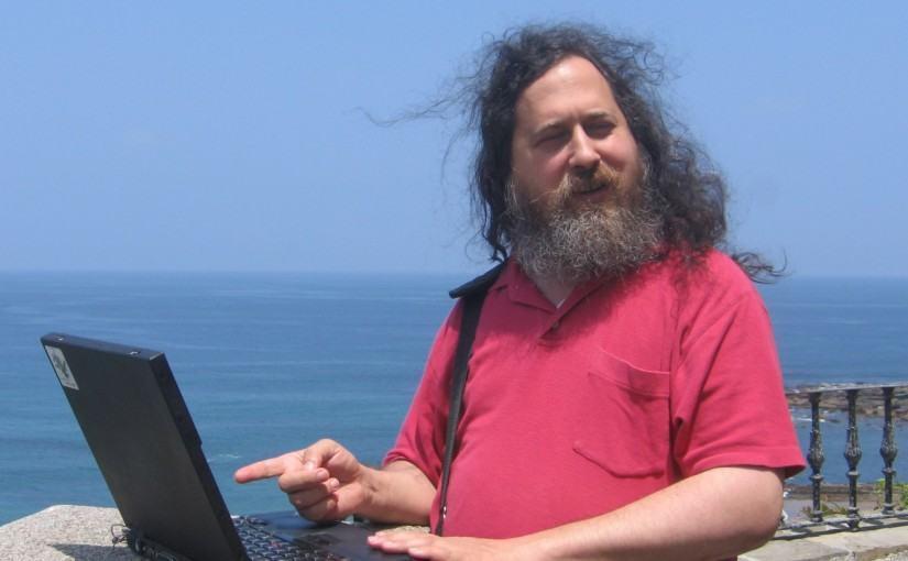 Como Richard Stallman usa o computador