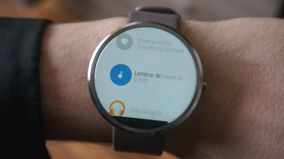 Listão de apps e ações do Android Wear.