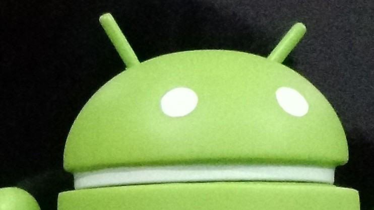Foto com o Moto X rodando Android 5.0