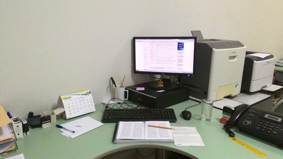 Mesa de trabalho do Luis Oliveira.