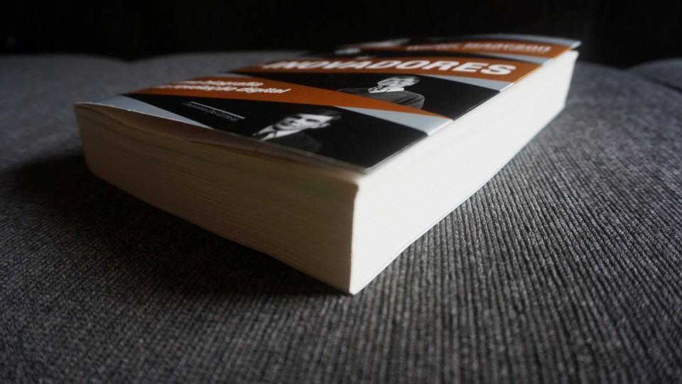 Mais de 500 páginas.