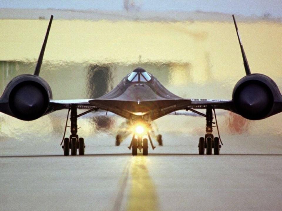 SR-71 Blackbird, recordista em velocidade.
