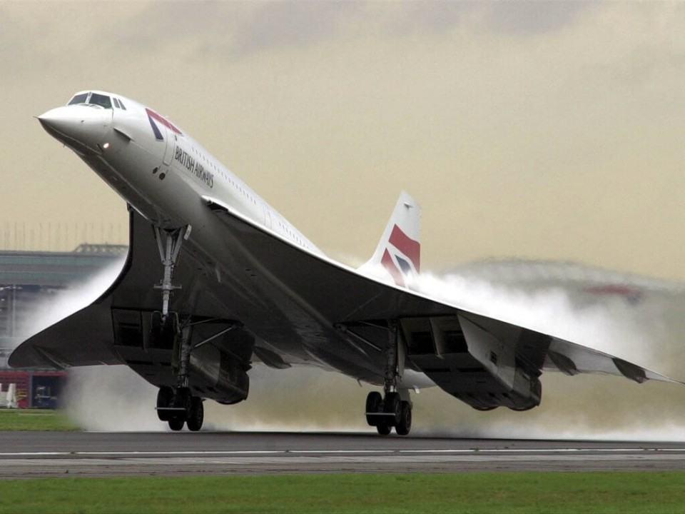 Concorde levantando voo.