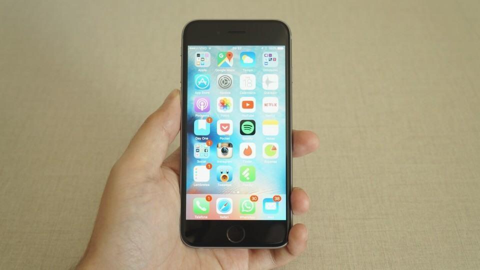O iPhone 6s tem uma tela de 4,7 polegadas.