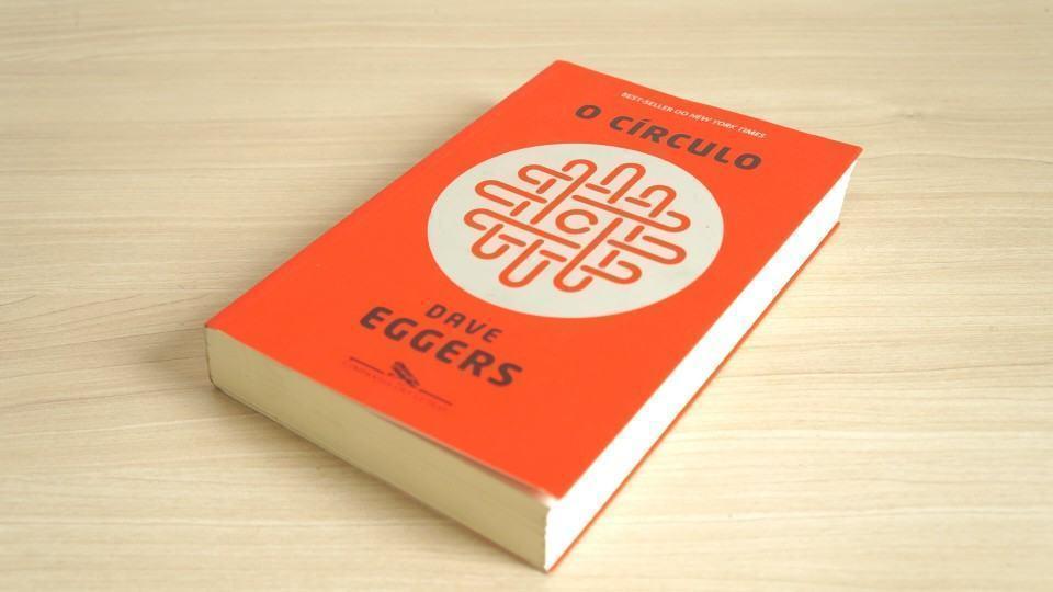 """""""Tudo que acontece deve ser conhecido"""": Debate do livro O Círculo, de Dave Eggers"""