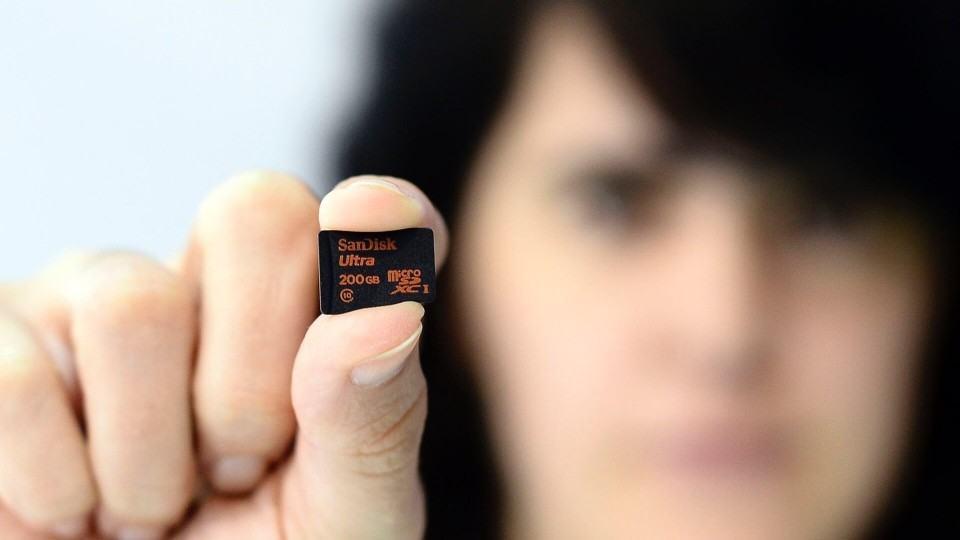Cartões microSD aumentam o espaço disponível em smartphones.