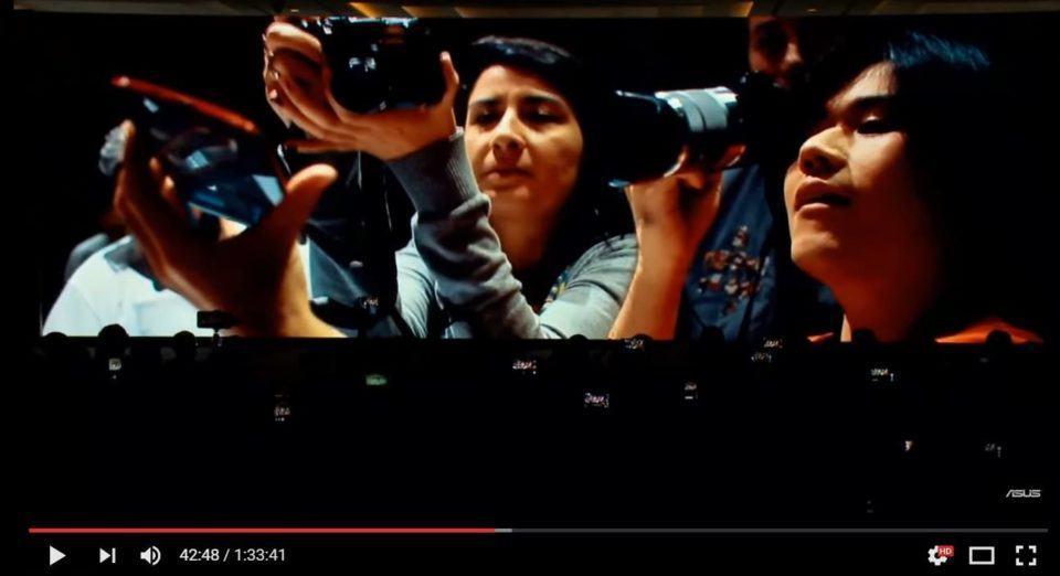 Emily e Paulo Higa fotografando no vídeo da Asus.