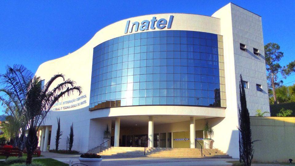 Fachada de um dos prédios do Inatel.