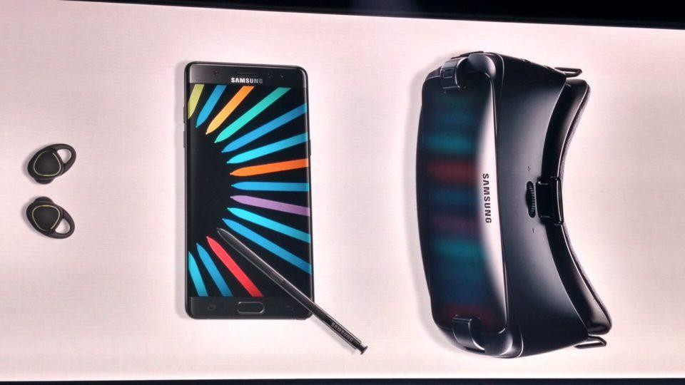 Pacote do Galaxy Note 7 comprado na pré-venda, com Gear VR e Gear IconX.