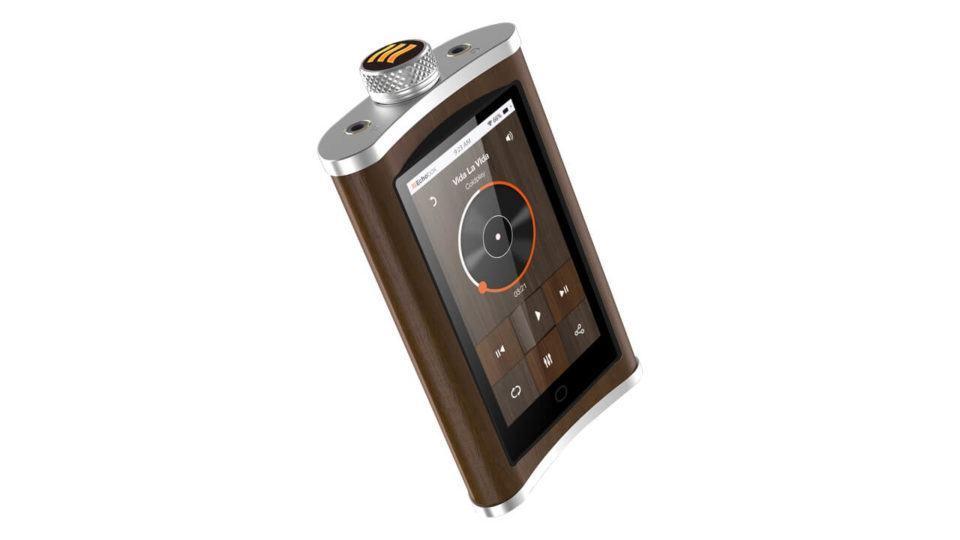 O Explorer, player de áudio da Echobox, que se parece com uma garrafinha de bebida.