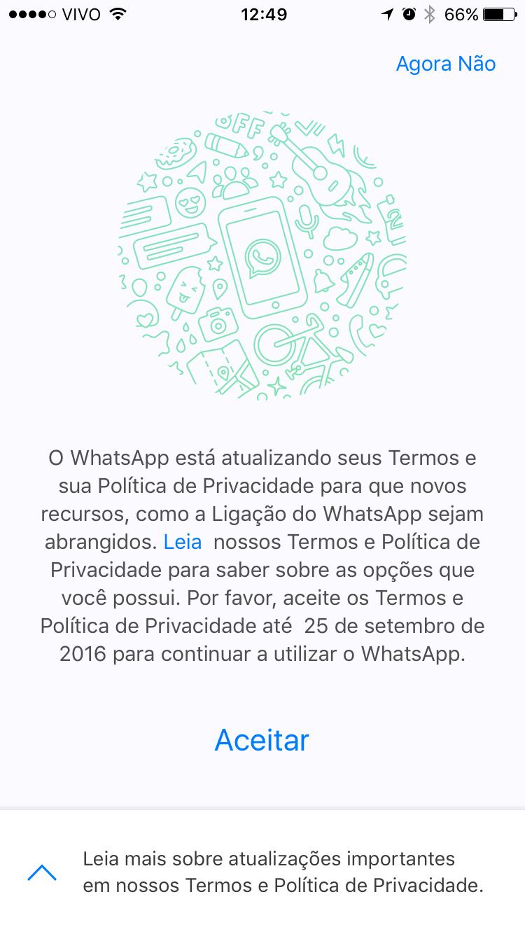 Popup do WhatsApp sobre alterações na política de privacidade.