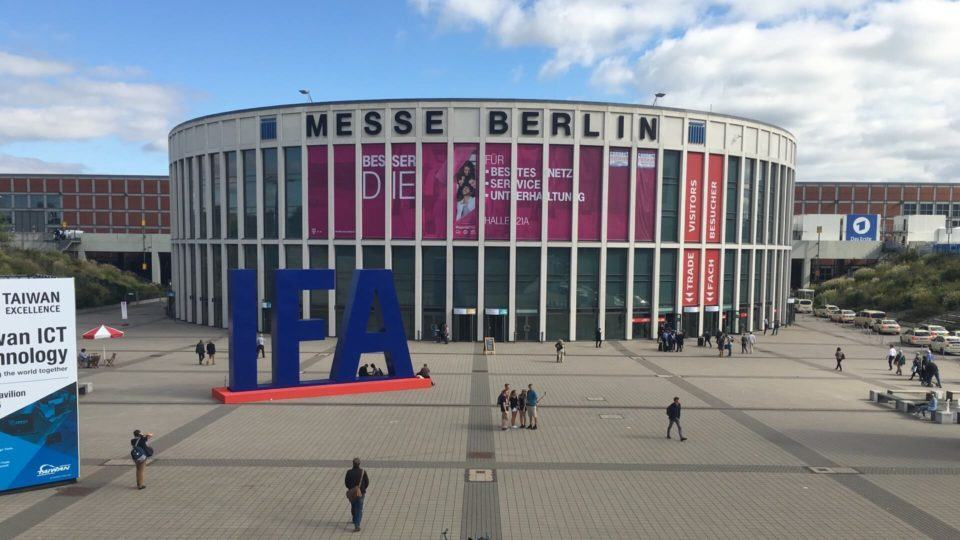 Messe Berlin de frente.