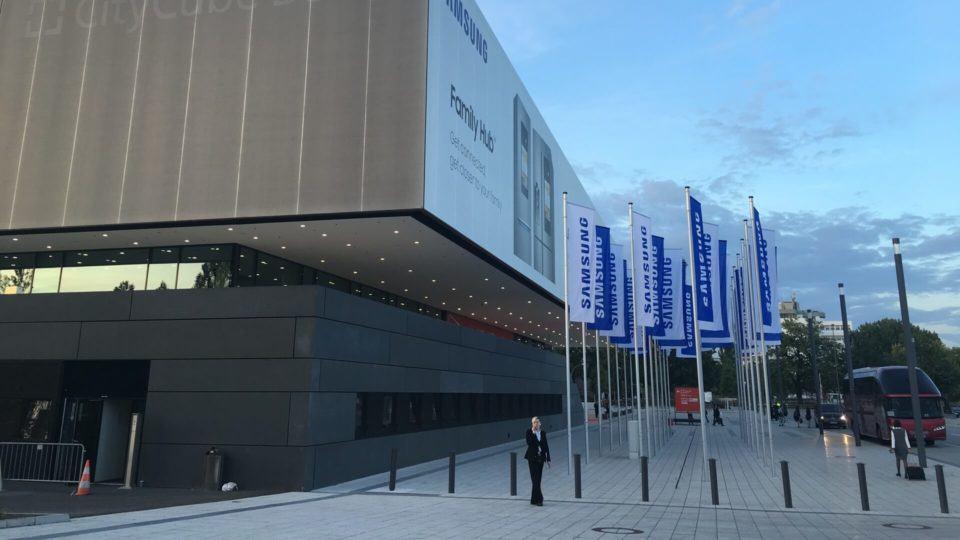 Fachada decorada pela Samsung para a IFA.