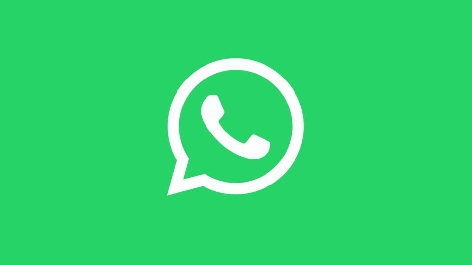 Logo do WhatsApp contra um fundo verde.
