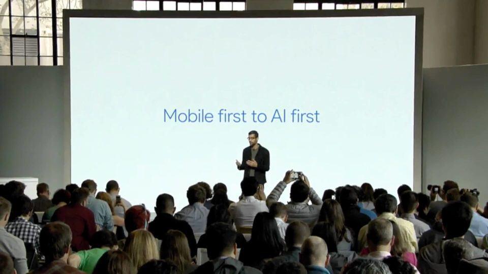 Sundar Pichai na apresentação do Google Pixel.