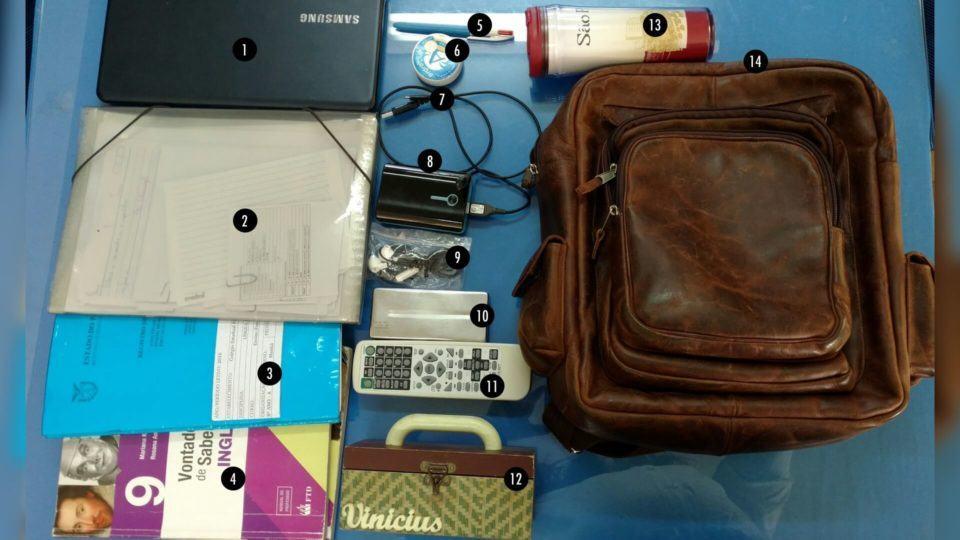 O que tem na mochila do Vinícius Fontanela.