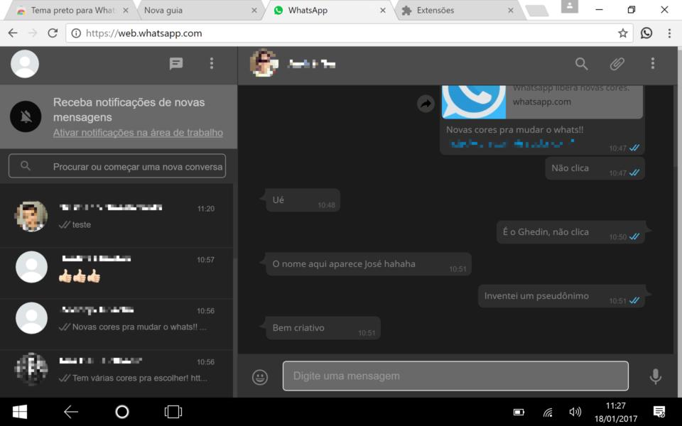 WhatsApp Web com a extensão que muda o visual.