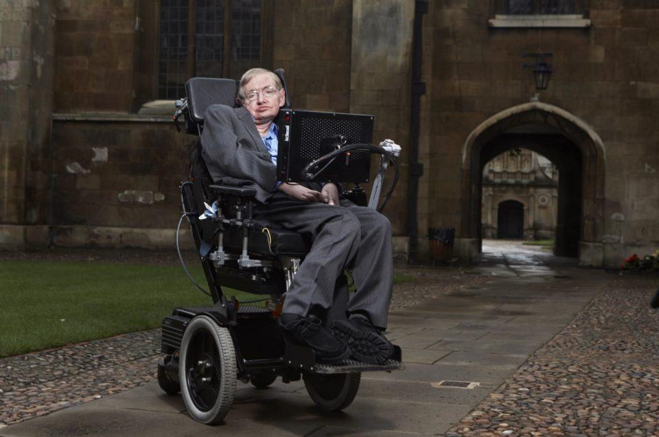 O físico Stephen Hawking.