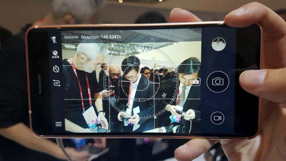 Nokia 6 com o app da câmera aberto.