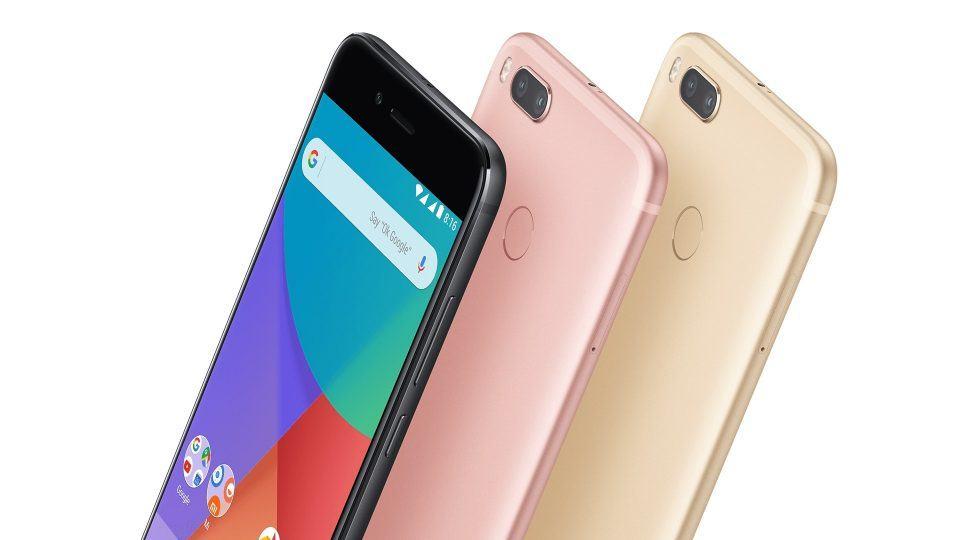 Foto de divulgação do Xiaomi A1 em duas cores.