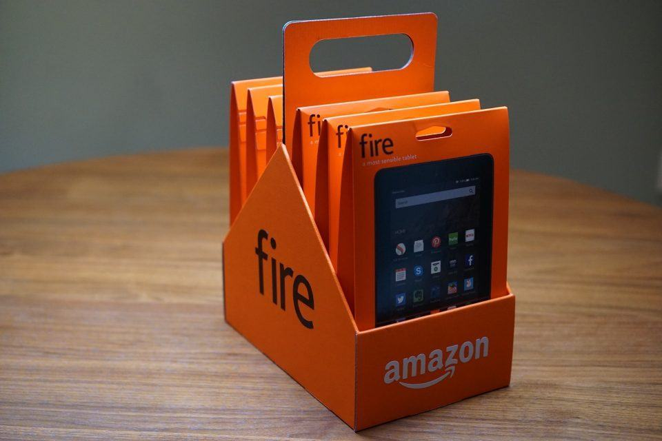 Pack de seis Kindle Fire HD, vendido pela Amazon nos Estados Unidos.