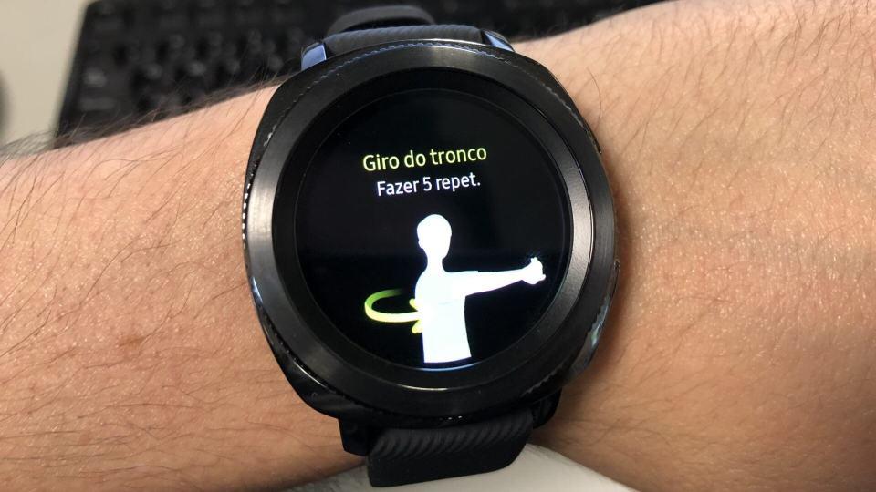 Gear Sport dando dicas de exercícios.