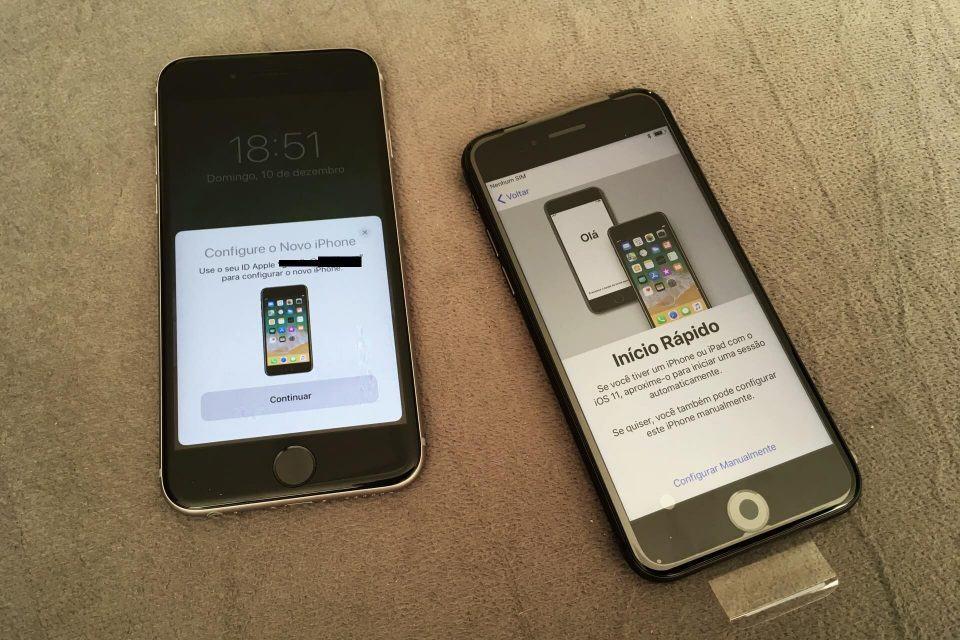 Dois iPhones em processo de migração de conteúdo.