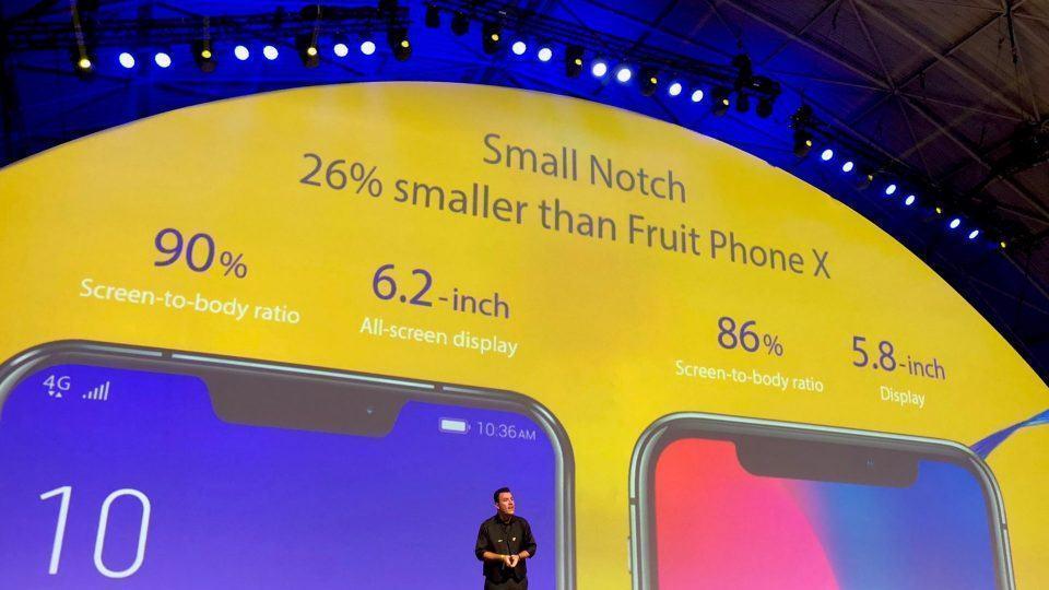 Apresentação do Zenfone 5, na Asus, durante o MWC 2018, com destaque para o notch.