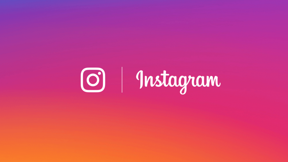 Logo do Instagram contra fundo temático com as cores do app.