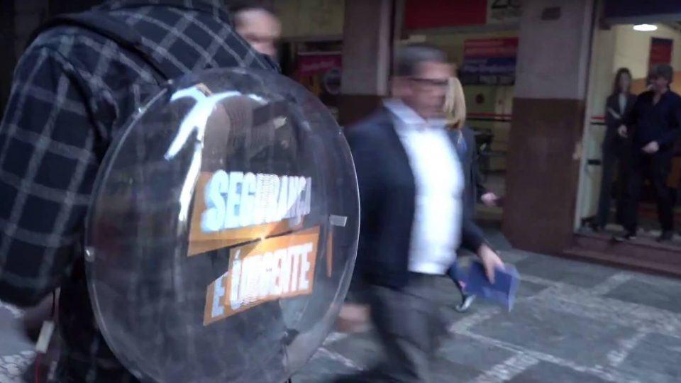 Mochila da Holo Ahead exibe holograma.