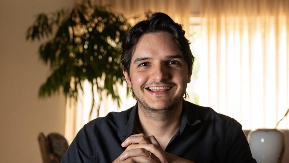 """Diogo Carneiro, autor do livro """"Pantaikan""""."""