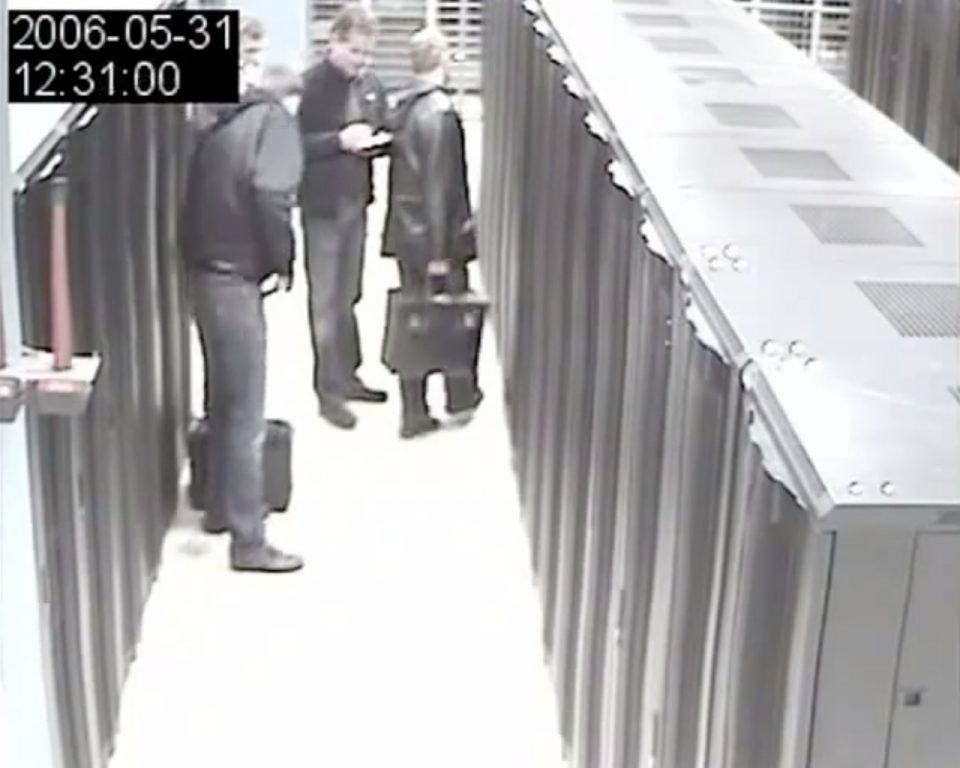 Quadro de vídeo do circuito interno do data center do The Pirate Bay.