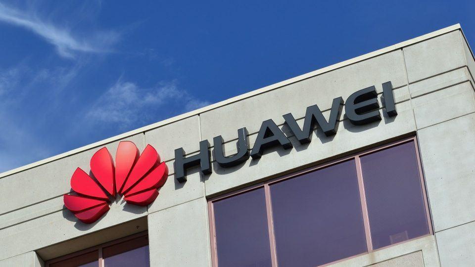 Fachada de prédio da Huawei no Canadá.