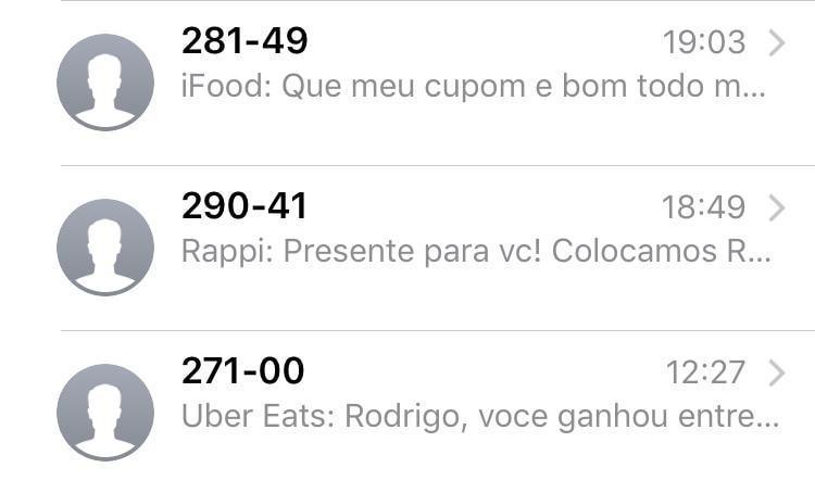Print de três mensagens de apps de entrega de refeições oferecendo cupons e descontos.