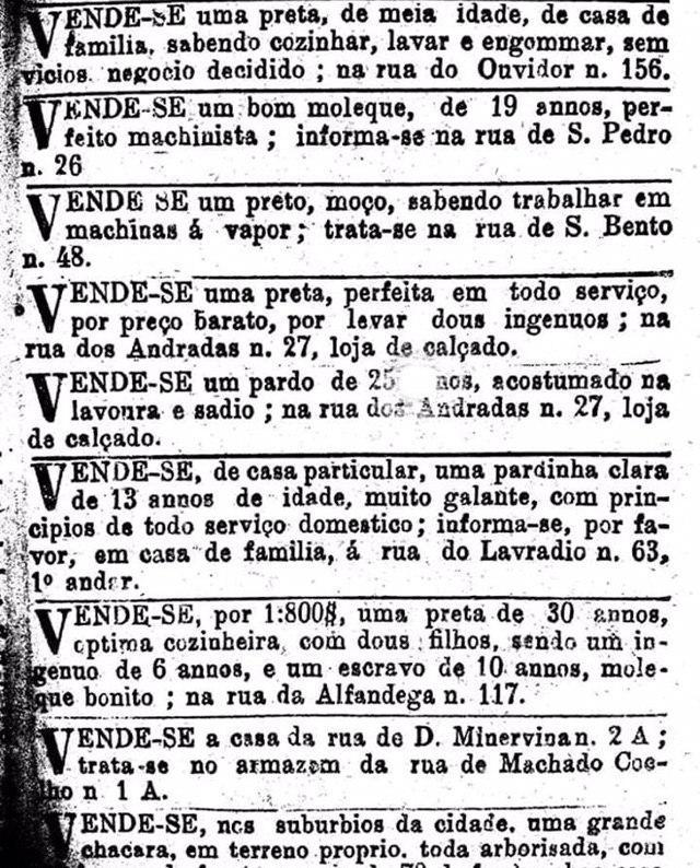 Anúncios em jornal antigo de escravos.